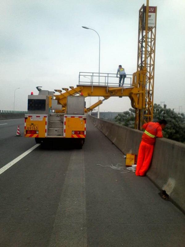 关于桥梁检测车的一些功能